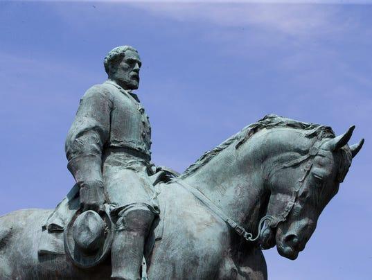 Robert E. Lee Confederate Statue