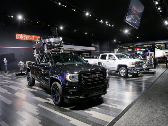 Keeping The Cars Sparkling Clean At The Detroit Auto Show