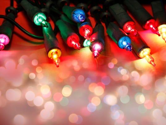 the real war on christmas white lights vs multi colored lights - Christmas White Lights