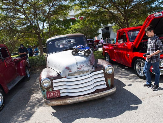 Cool Cruisers Of Southwest Florida Kicks Off Monthly Car Show At - Cool cars florida