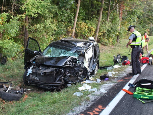 Honda Troy Ohio >> Driver dies after car crashes into tree in Troy Township