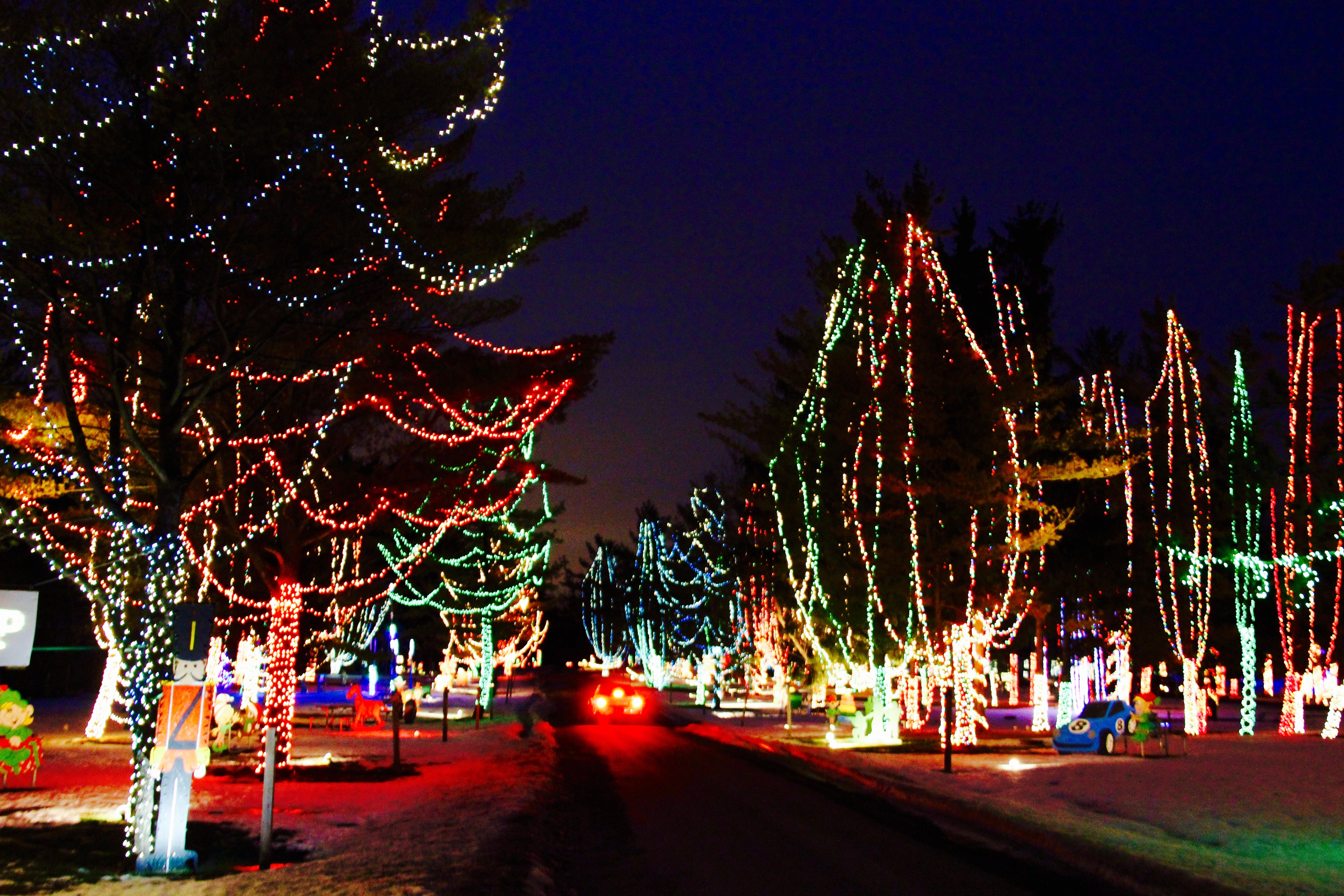 636468692746971617-Light-show-1-.jpg & Wisconsin Carnival of Lights in Jellystone Park opens for the holidays azcodes.com