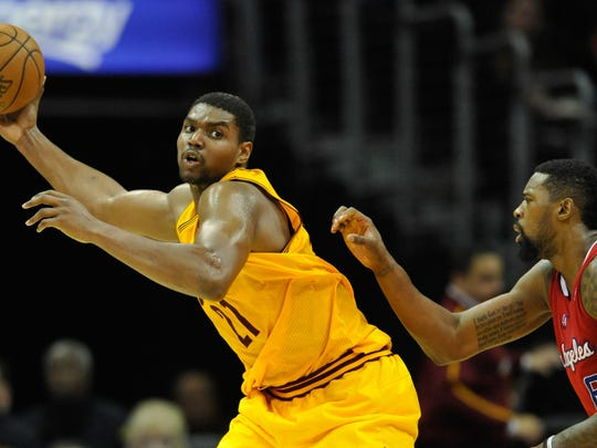 FILE - Dec 7, 2013; Cleveland, OH, USA; Cleveland Cavaliers center Andrew Bynum (21) during a game against the Los Angeles Clippers at Quicken Loans Arena. Cleveland won 88-82. Mandatory Credit: David Richard-USA TODAY Sports