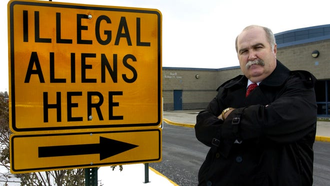 Butler County Sheriff Richard K. Jones erected this sign at the county jail in December 2005.