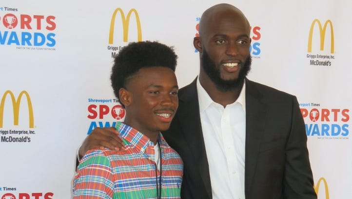 Chris Dennis hangs out with Leonard Fournette at Times