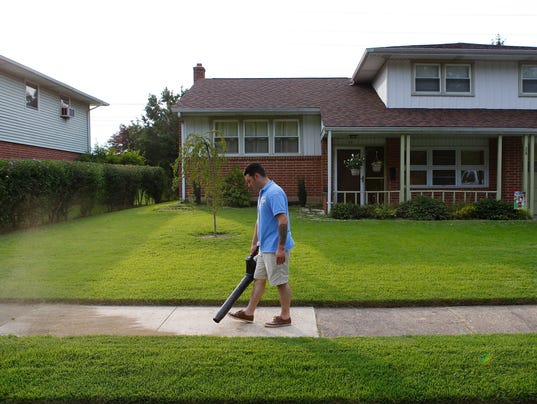 Lawn care service keeps New Castle County green