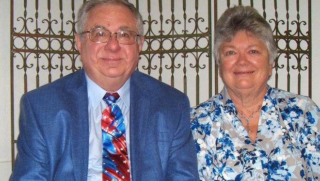 Mr. and Mrs. Brad Gritton celebrate their 50th wedding anniversary.