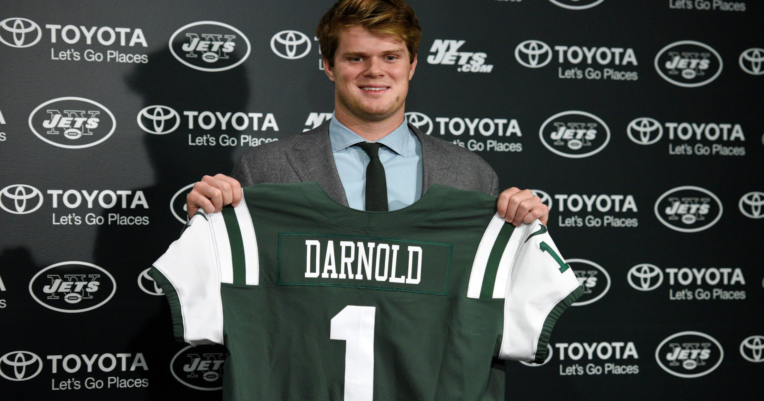 huge selection of eb4cd e11f2 Sam Darnold gives NY Jets fans hope for their future