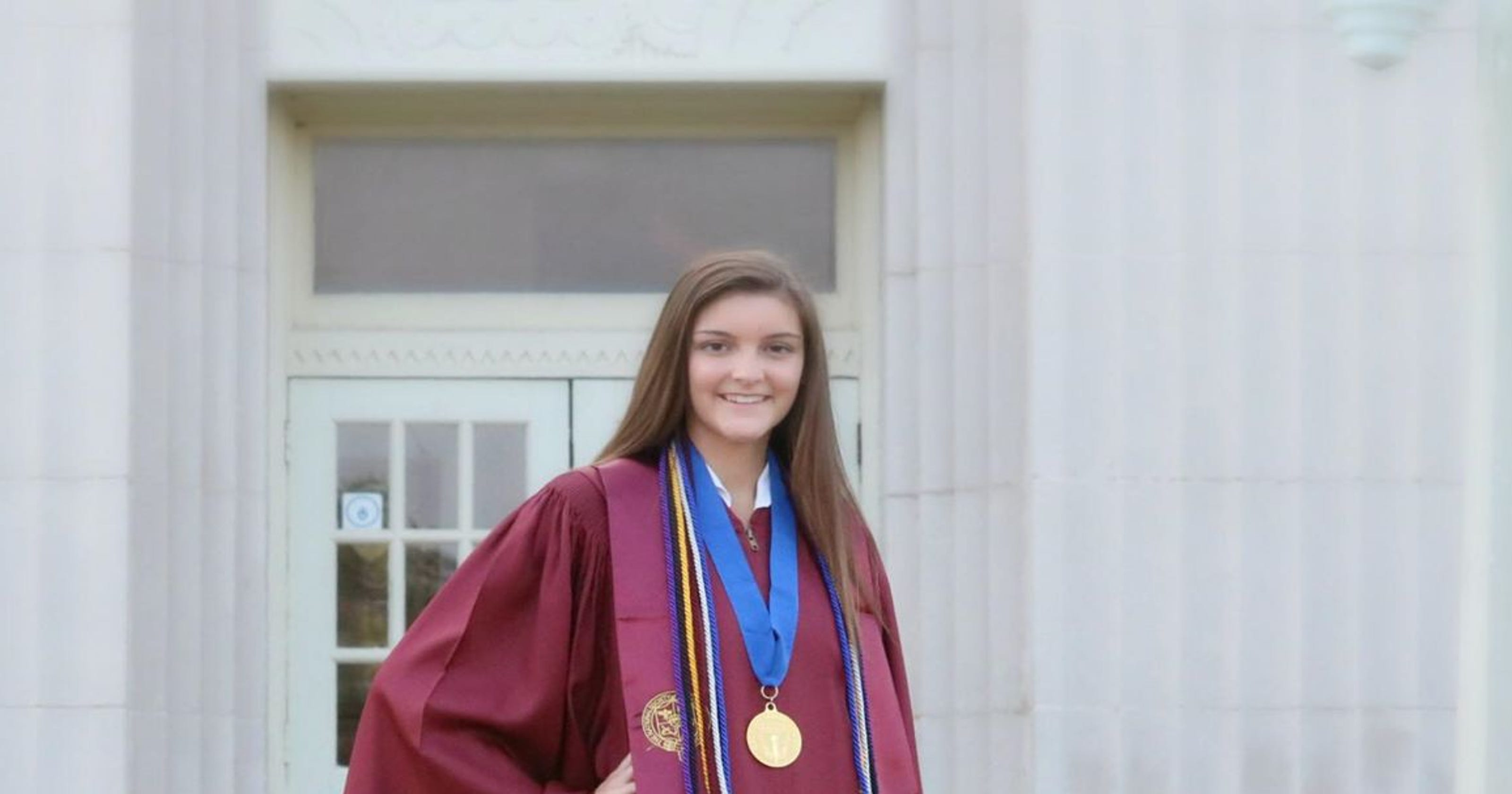 Teen dies in car crash morning after graduating high school