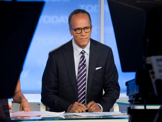 Lester Holt will keep the 'NBC Nightly News' anchor chair.
