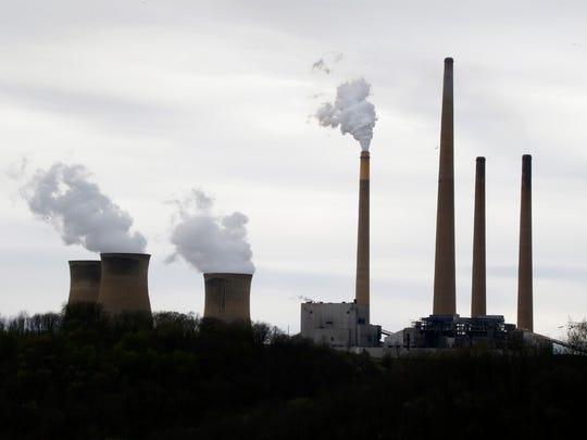 تنتج محطات توليد الطاقة الكربونية مثل مصنع إنتاج مدينة هومر في ولاية بنسلفانيا ثاني أكسيد الكربون وغازات الاحتباس الحراري الأخرى التي تساهم في ظاهرة الاحتباس الحراري.