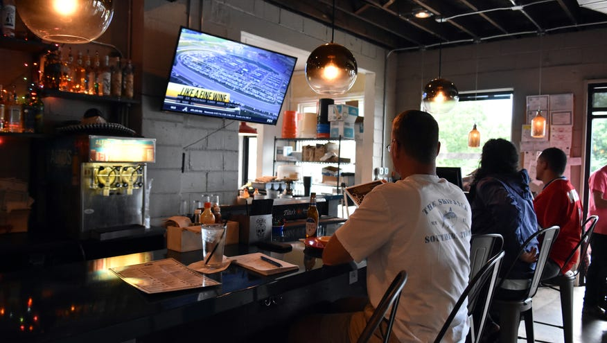 It's patio time: South Knoxville pubs have a spot for you
