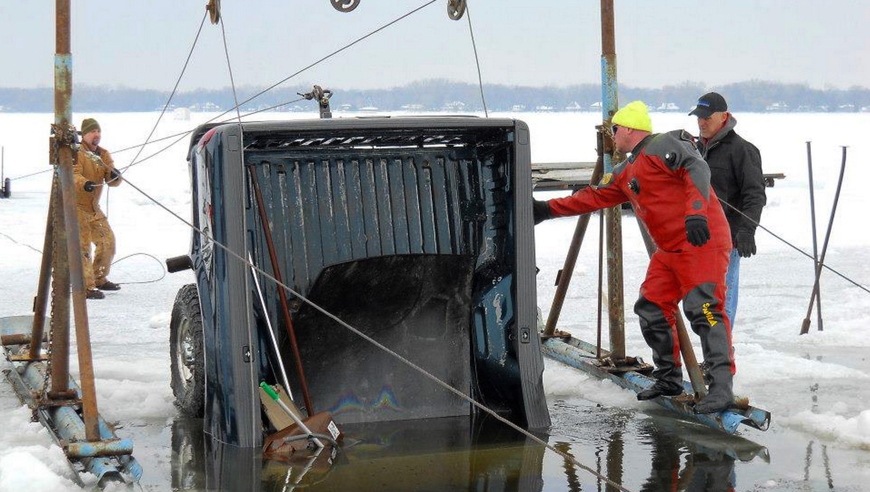 stingl sunk dive ice service enjoys fishing for your submerged vehicle stingl sunk dive ice service enjoys