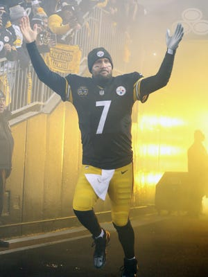 Pittsburgh Steelers quarterback Ben Roethlisberger (7) reacts during player introductions against the Baltimore Ravens before the first quarter at Heinz Field.