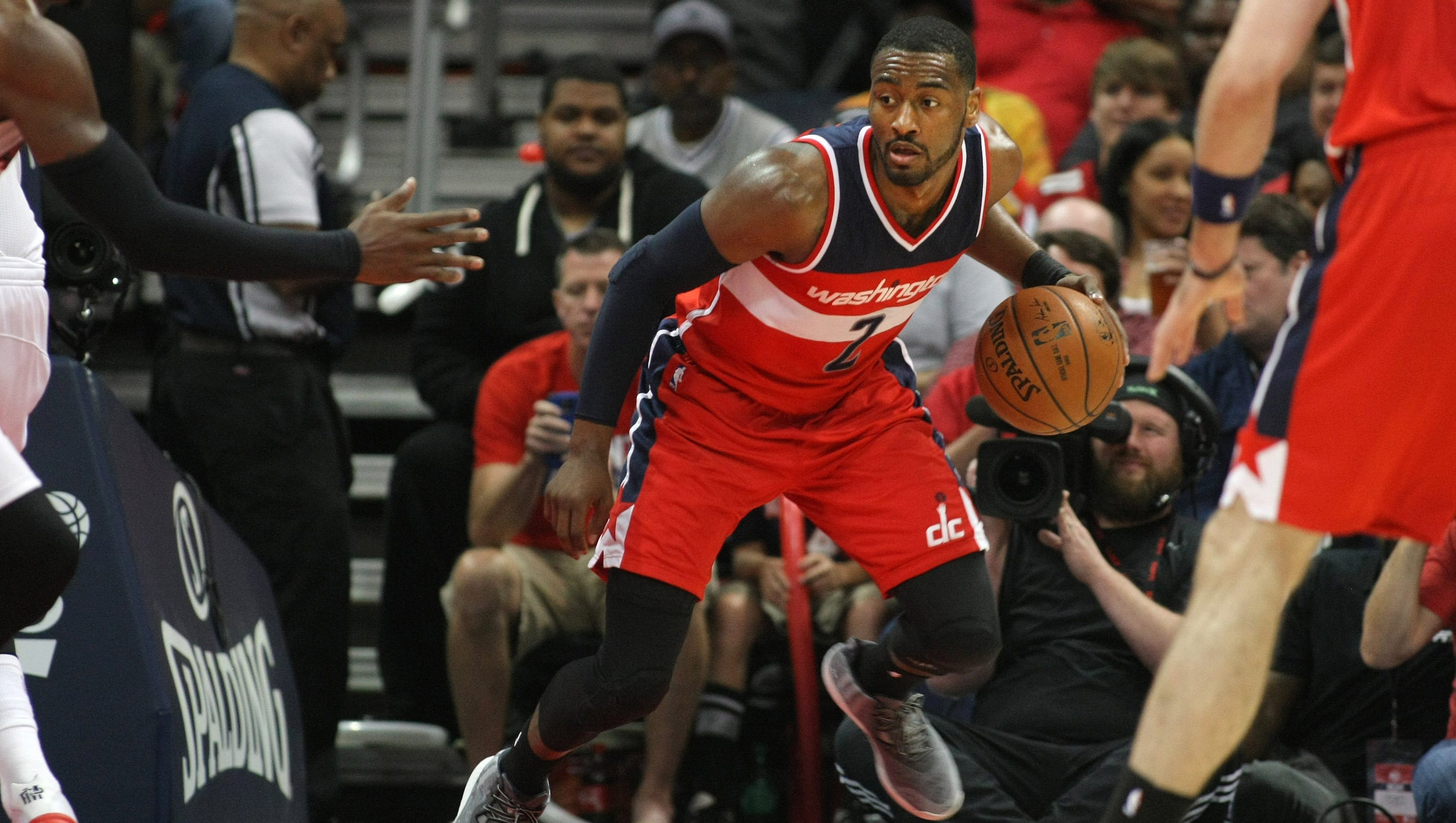 Beal leads well-rested Wizards past Hawks 104-98 in Game 1