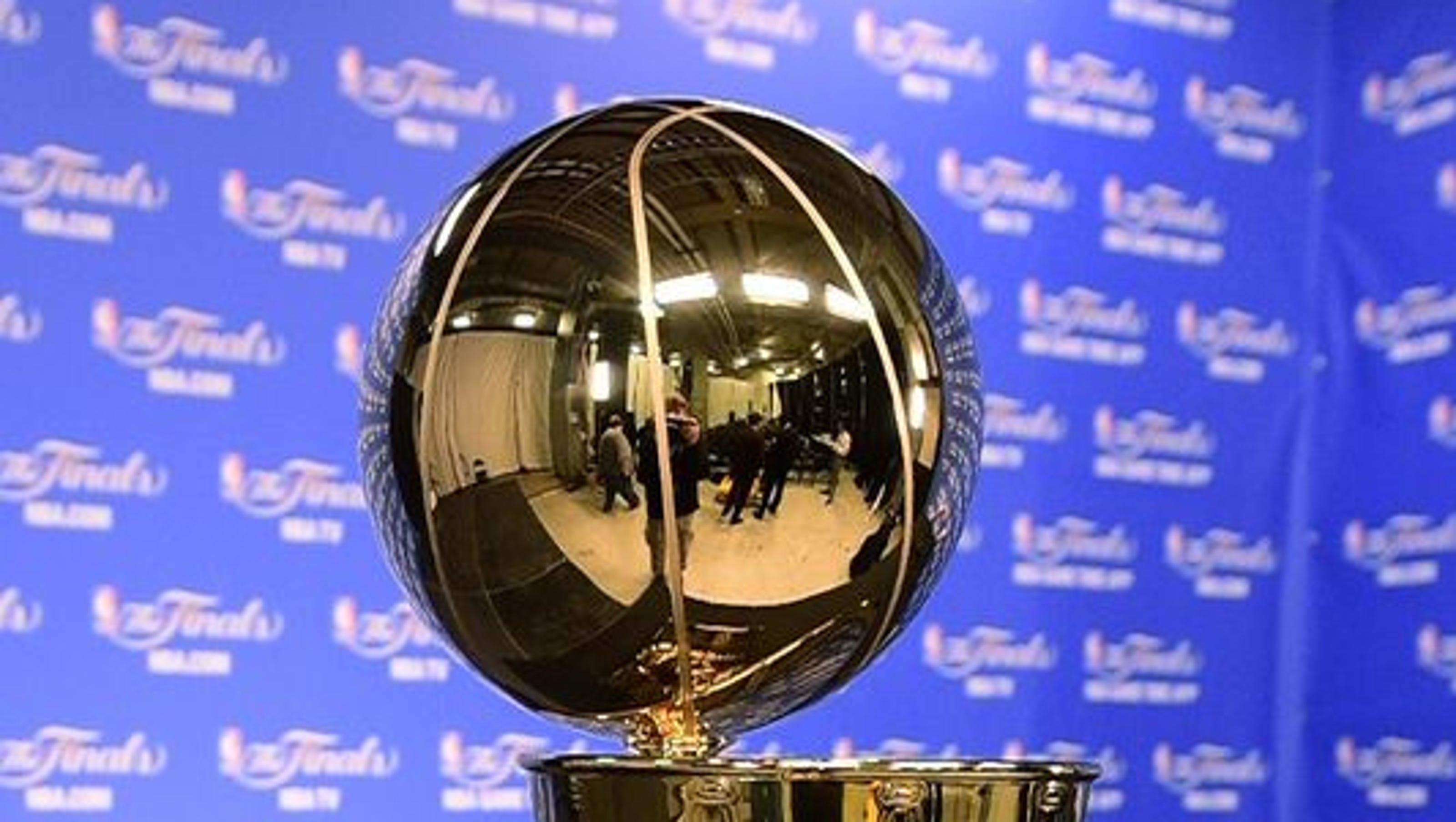 NBA Finals key numbers, expert picks: Warriors the clear favorite vs. Cavs?