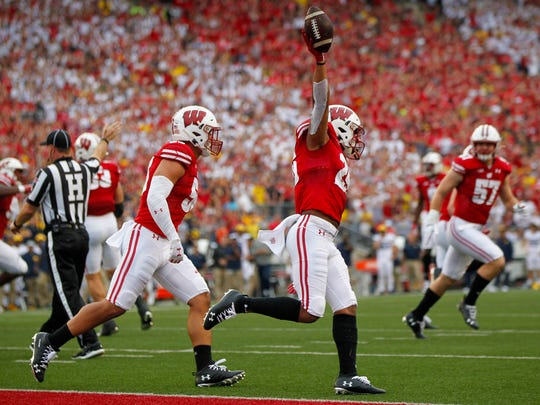 Big Ten football power rankings | Wisconsin wins early showdown