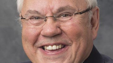 Nashville Predators announcer Pete Weber appointed by Mayor Barry for Metro board