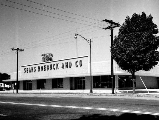 635648131739724020-1951-sears-building