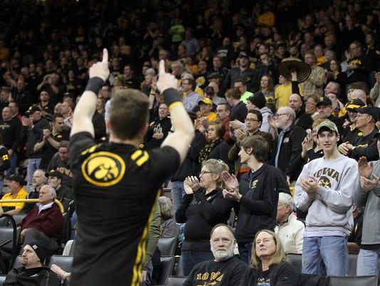 635927173955745886-IOW-0129-Iowa-wrestling-vs-Minn-07.jpg