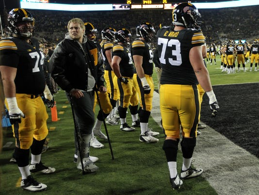 636148137372155128-IOW-1112-Iowa-vs-Michigan-01.jpg