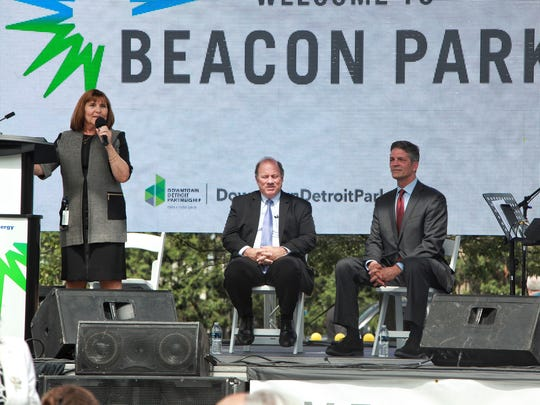 (l to r) Nancy Moody, VP of Public Affairs for DTE,