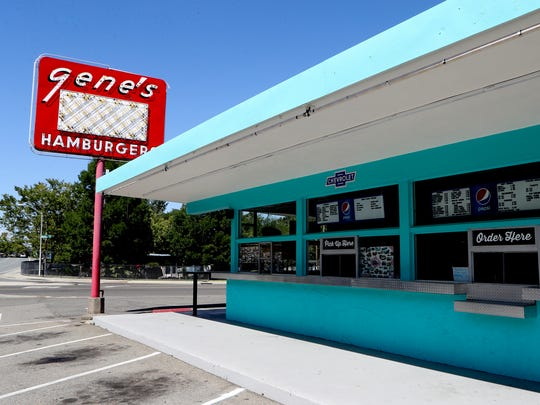 Long time Redding restaurant Gene's Hamburgers is closing down.