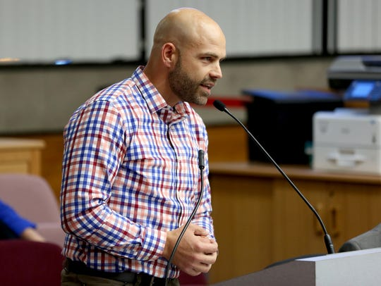 Nick Williams, chief executive of the Salem Area Chamber of Commerce, speaks on a proposed ordinance that would have outlawed daytime sitting and lying on city sidewalks during a Salem City Council meeting on Monday, Sept. 25, 2017.