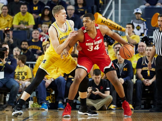 Ohio State forward Kaleb Wesson (34) is defended by