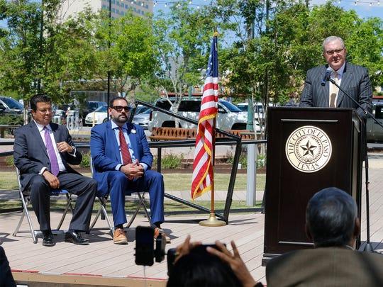Juárez Mayor Armando Cabada, left, joins District 1