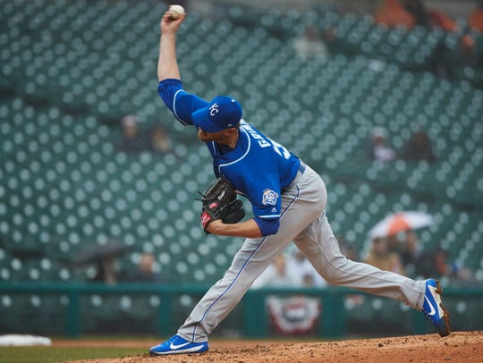 Royals reliever Justin Grimm pitches in the eighth