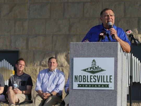 Noblesville mayor John Ditslear speaks during a prayer