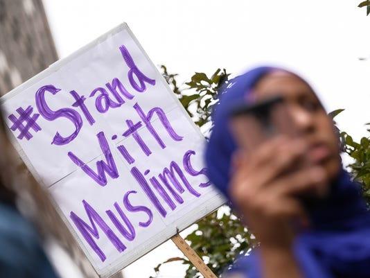 636656425771071294-muslim-ban-protest-06.jpg
