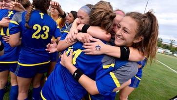 Deconinck goals lift Birmingham Marian to D2 soccer title