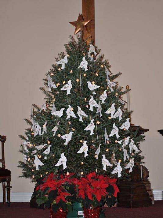 VRH Memorial Tree decorated