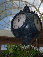 A clock stands in Montgomery Mall in 2006.
