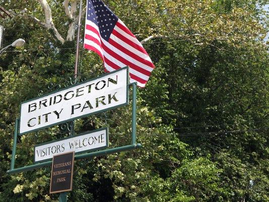 -Bridgeton City Park carousel 2.jpg_20140708.jpg