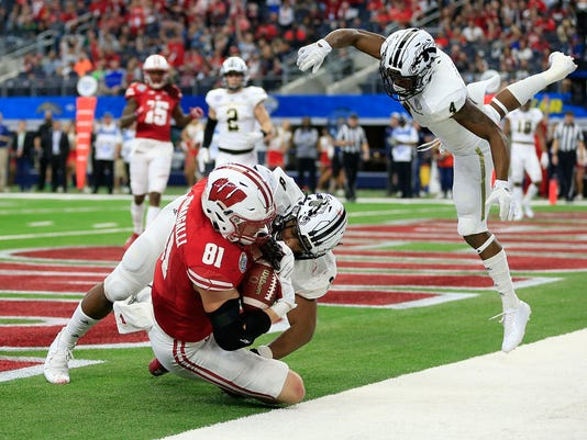 BESTPIX 81st Goodyear Cotton Bowl Classic - Western Michigan v Wisconsin