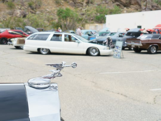Elks Lodge Hosts Car Show Benefiting Veterans - Palm springs classic car show