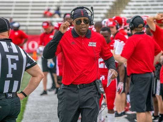 UL's assistant head coach Jabbar Juluke on the sidelines