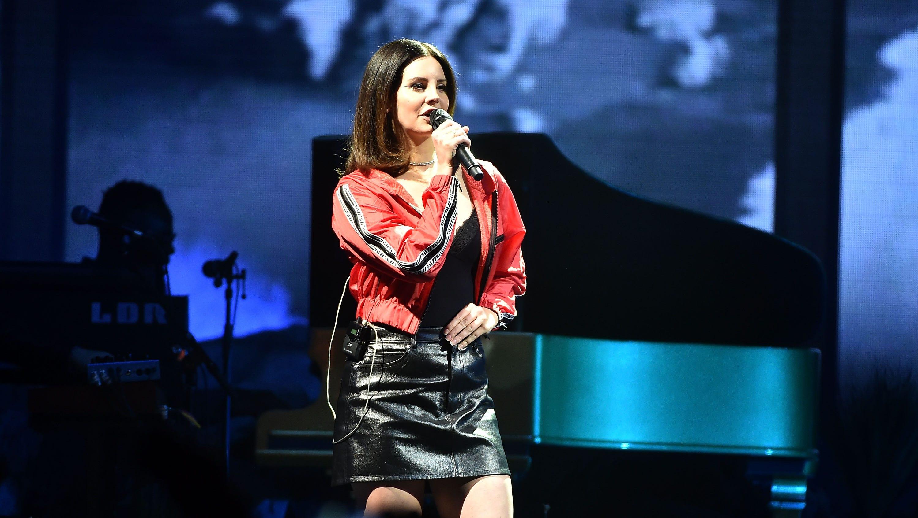 Lana Del Rey In Nashville Nfr Tour Stop Coming In November