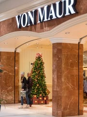 Does your favorite mall have extended hours for Thanksgiving