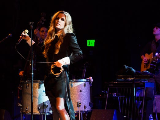 Lisa Marie Presley will be treating fans to a free show on September 21 at Levitt Shell in Memphis, the same venue where her father Elvis Presley made his professional debut.