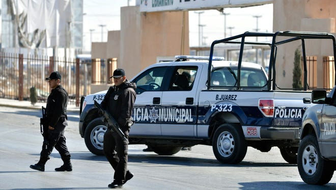 Law enforcement officers in Juárez.