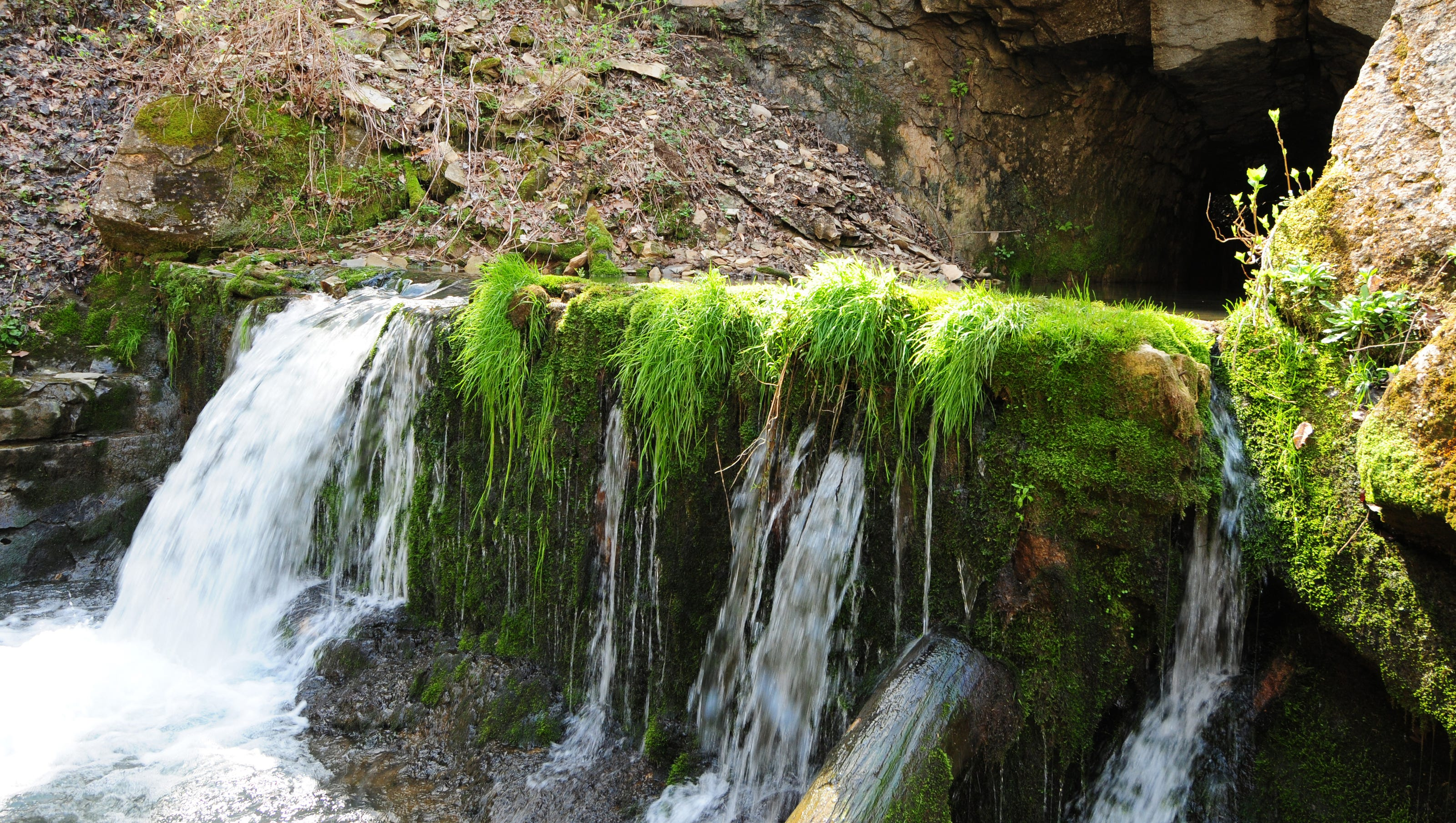 Sullivan Cave Indiana Map.Indiana Waterfalls 22 Locations For An Outdoor Adventure