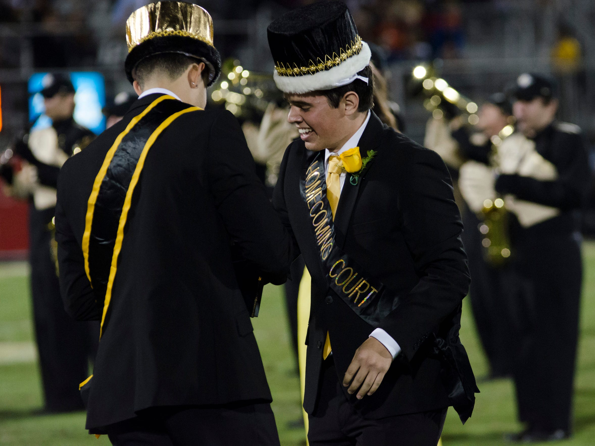 112113_Homecoming King and Queen_Leyva3.jpg