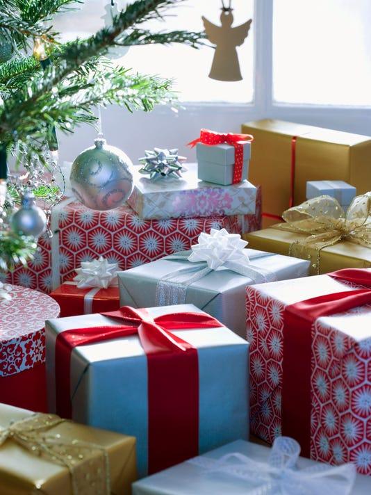 635844880213873390-gift.jpg