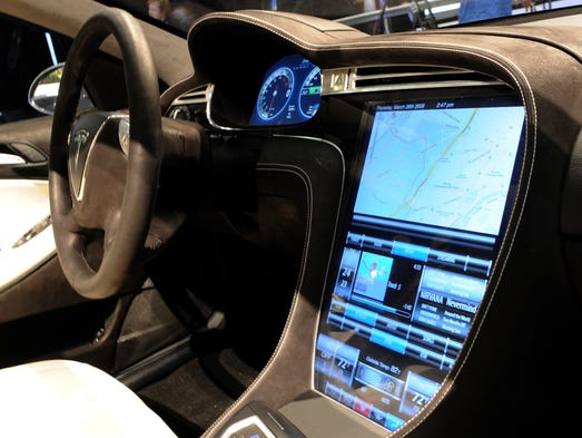 dodge puts tesla like touchscreen in charger police car. Black Bedroom Furniture Sets. Home Design Ideas