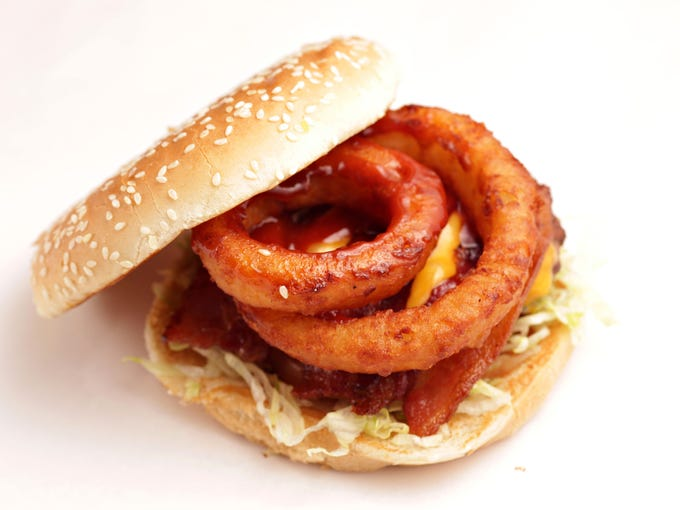 Lenny's Burger | Thick onion rings add sweet and savory