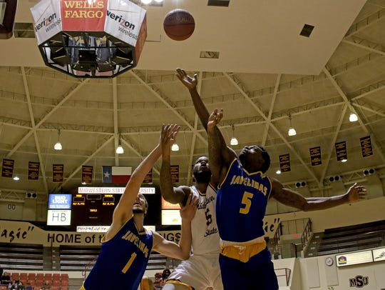 Texas A&M-Kingsville's Christian Bambrook (1), Jacolby